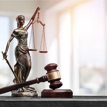 Justice Statue & Gavel